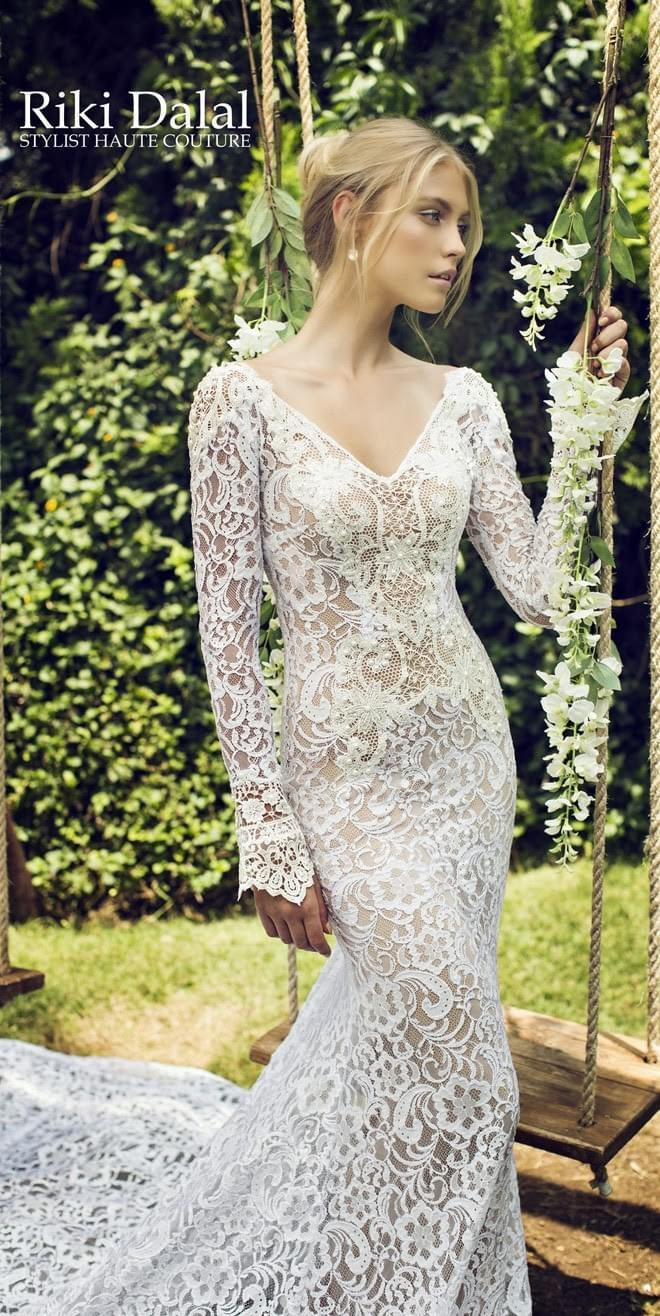 cała koronkowa suknia slubna z koronki Riki Dalal suknie ślubne z oronka sesksowne kobiece długie lejące blog ślubny inspiracje boho elegant