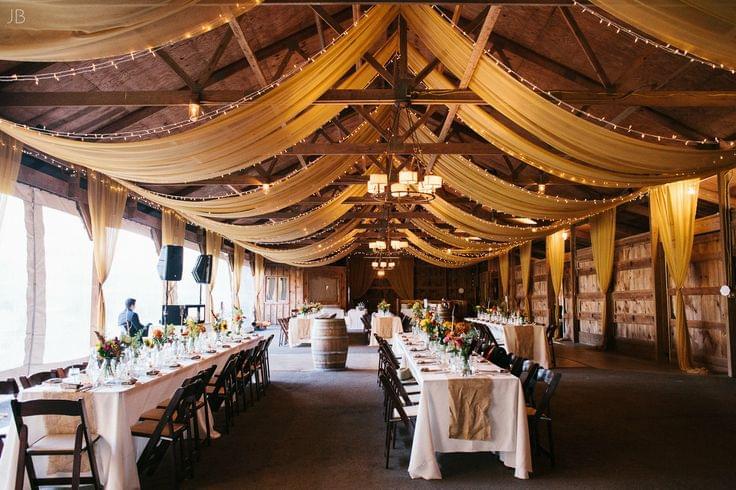 wesele w stodole ślub jesienią