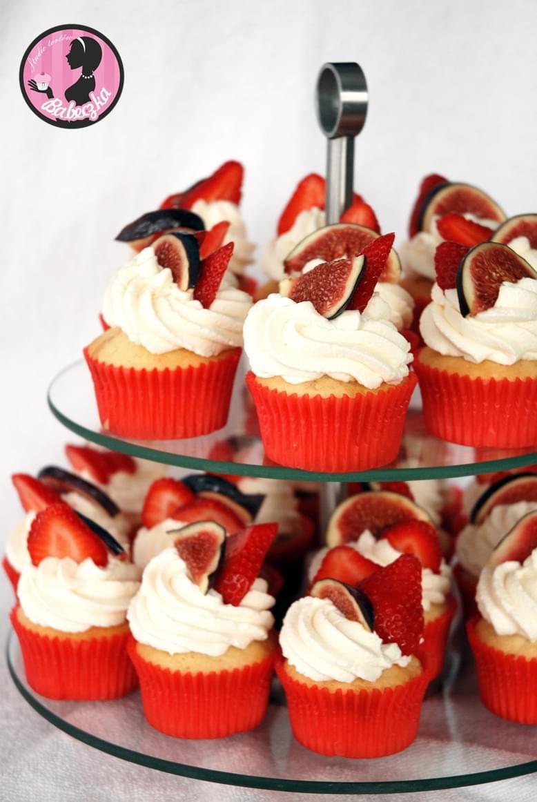 słodki stół bufet inspiracje blog ślubny sweet wedding deser wesele