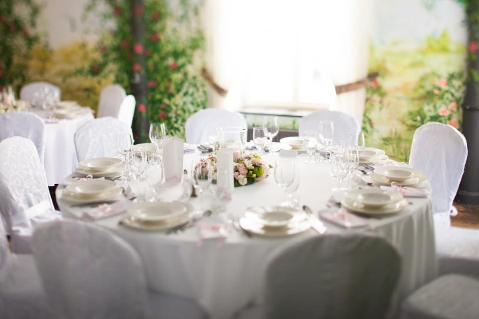 dekoracje stołów i sali zdjęcia blog ślubny inspiracje