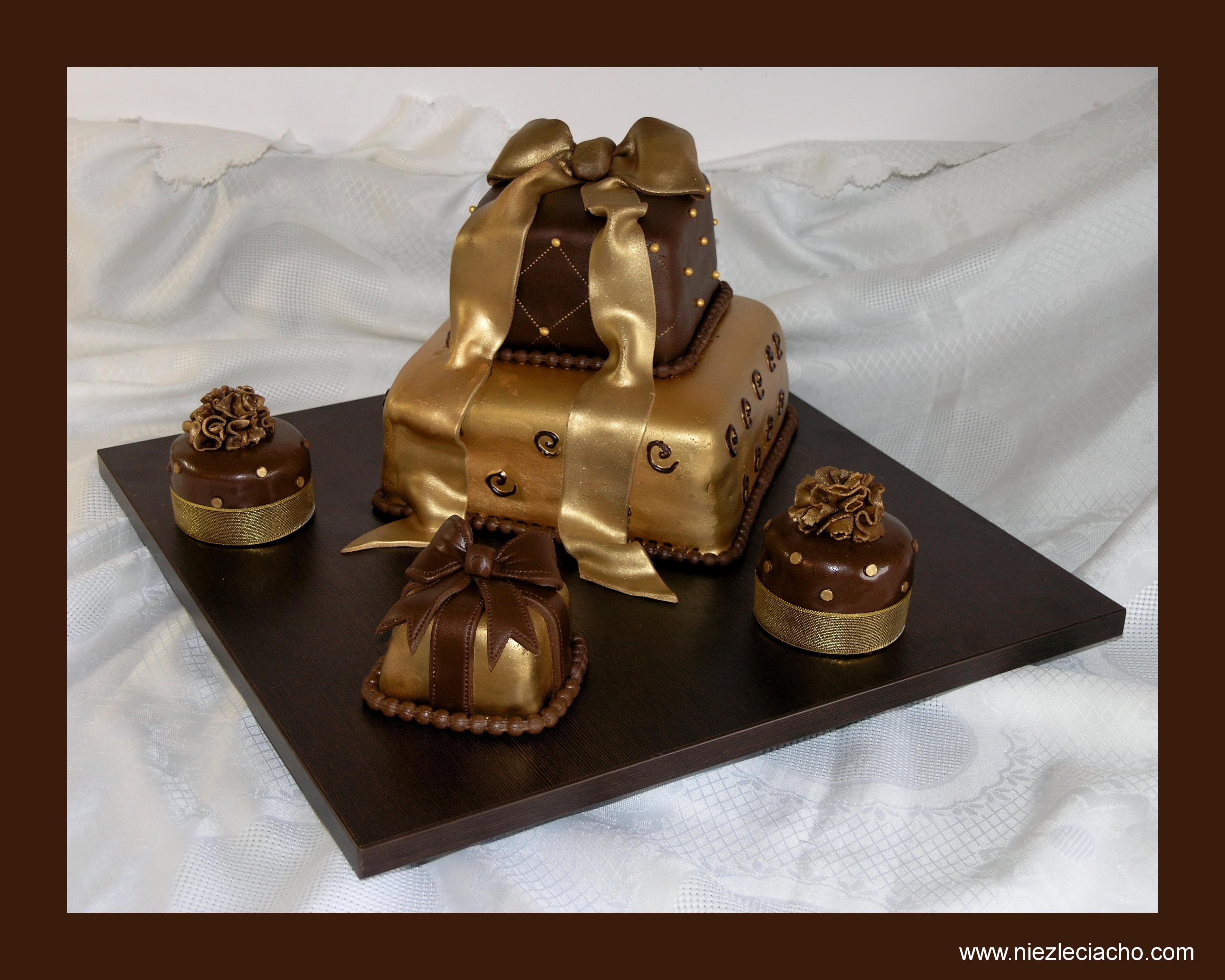 złoty tort artystyczne rzeźbione wesele ślub 2013 sugarcrafting muffinki 2013 wesele ślub