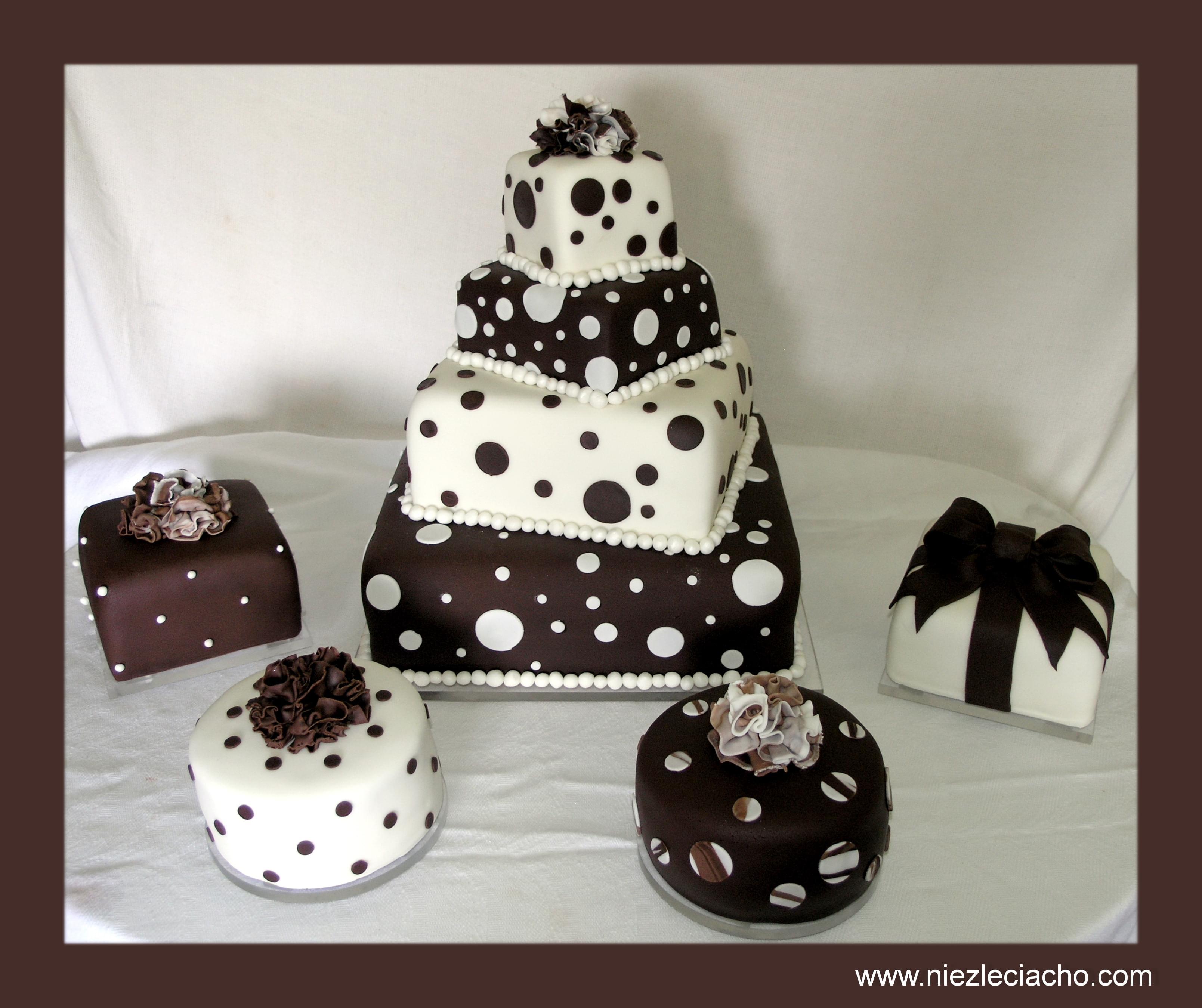 niezłe ciacho artystyczne torty ślubne sugarcrafting turkusowo brązowy tort w goszki czarno biały tort
