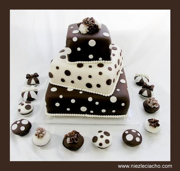 niezłe ciacho artystyczne torty ślubne sugarcrafting tort w kropki
