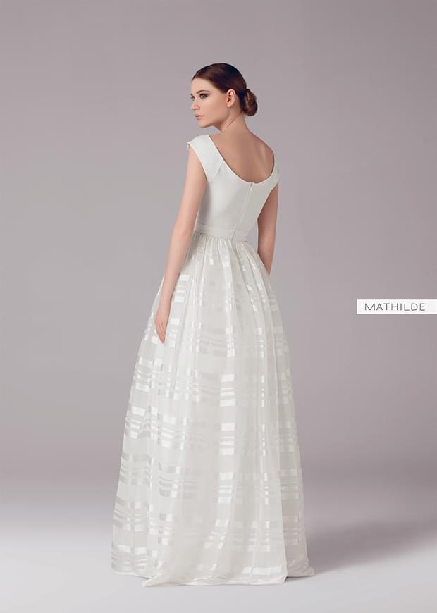 anna-kara-suknie-kolekcja-2015-2016-zdjęcie (74)