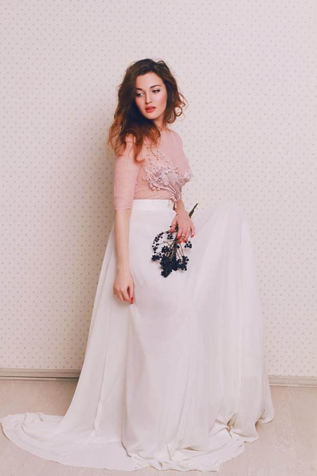 biało różowa suknia ślubna