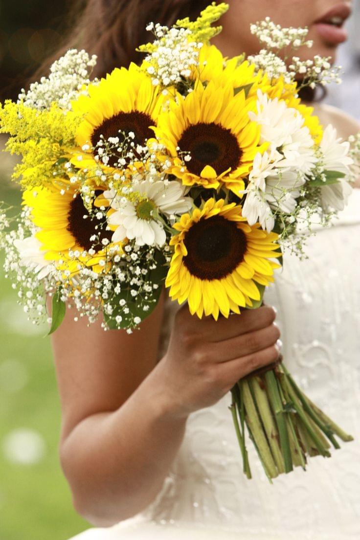Źródło: pinterest.com/perlillapets/sunflower-wedding/