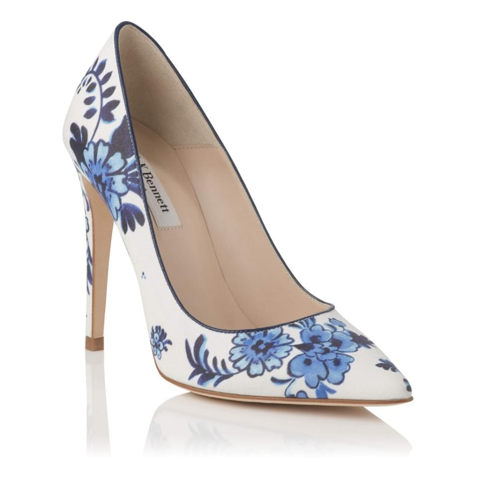 buty-w-kwiaty-chabrowe-zdjecie