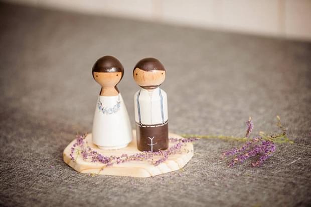 drewniane figurki na tort