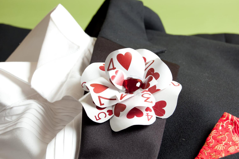 butonierka ręcznie robiona handmade wesele karty ślub alicja w krainie czarów