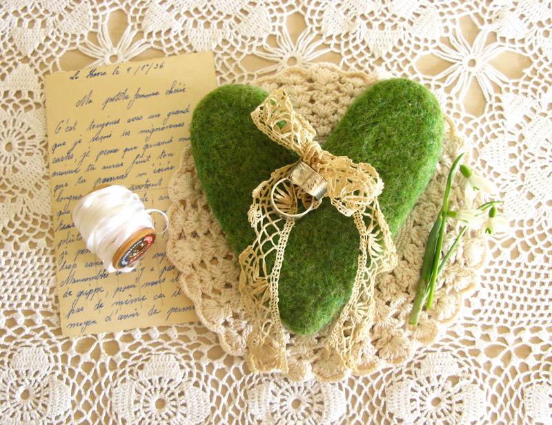 poduszeczka na obrączki z mchu ślubne akcesoria i dekoracje