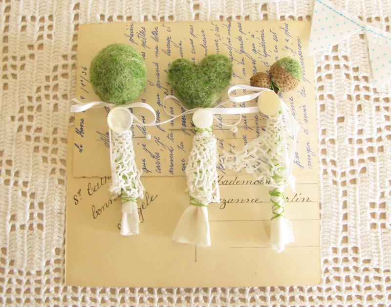 ręcznie robione butonierki ślub z mchu dekoracje z mchu eko ślub