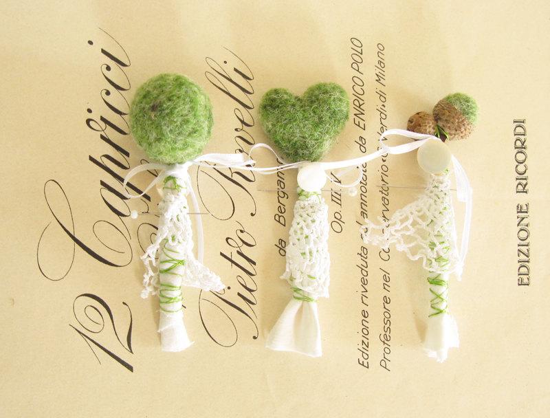 butonierki ślub z mchu dekoracje z mchu eko ślub