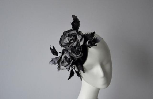 fascynator-slubny-piora kwiaty