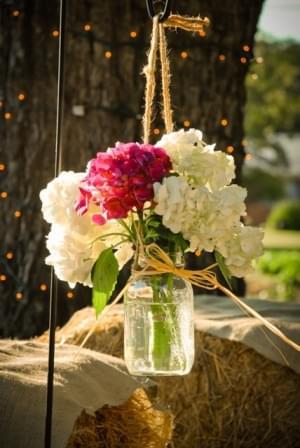 kwiaty w słoikach