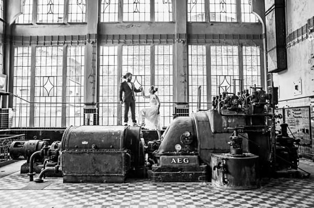industrialna sesja ślubna w fabryce (19)
