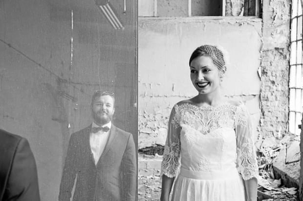 industrialna sesja ślubna w fabryce (2)