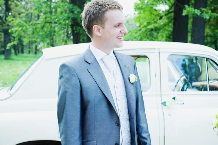 wasze śluby real weddings pan młody butonierka