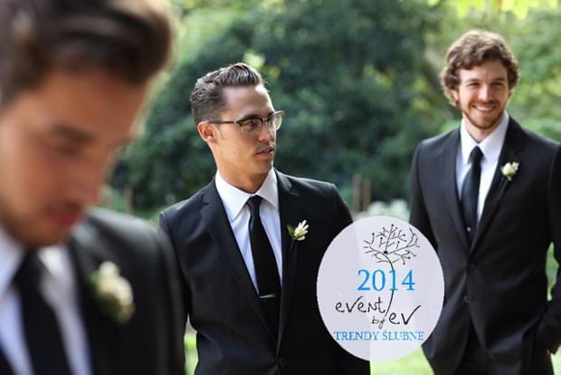 klasyczna elegancja na ślubie pan młody