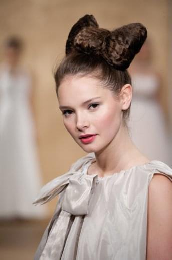 kokarda włosy śłub fryzura 2012