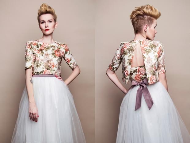 kolorowe-bolerko-ślubne-w-kwiaty-zdjęcie
