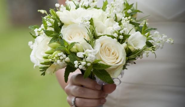 kwiaty-bukiet-ślubny-zdjęcie