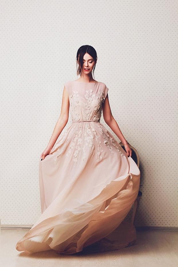nietypowa suknia slubna