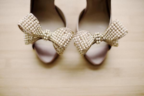 perełki buty ślubne
