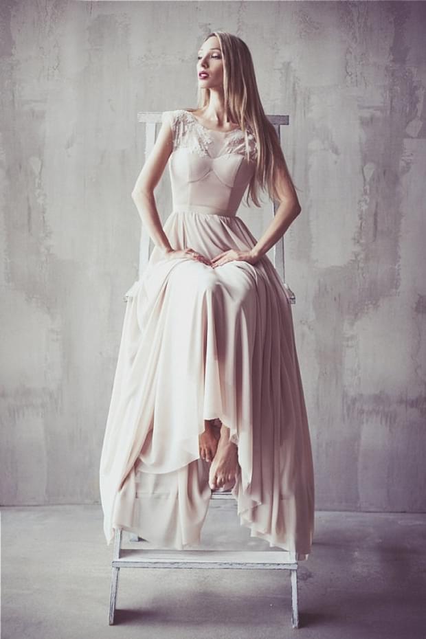 pudrowy róż suknia ślubna