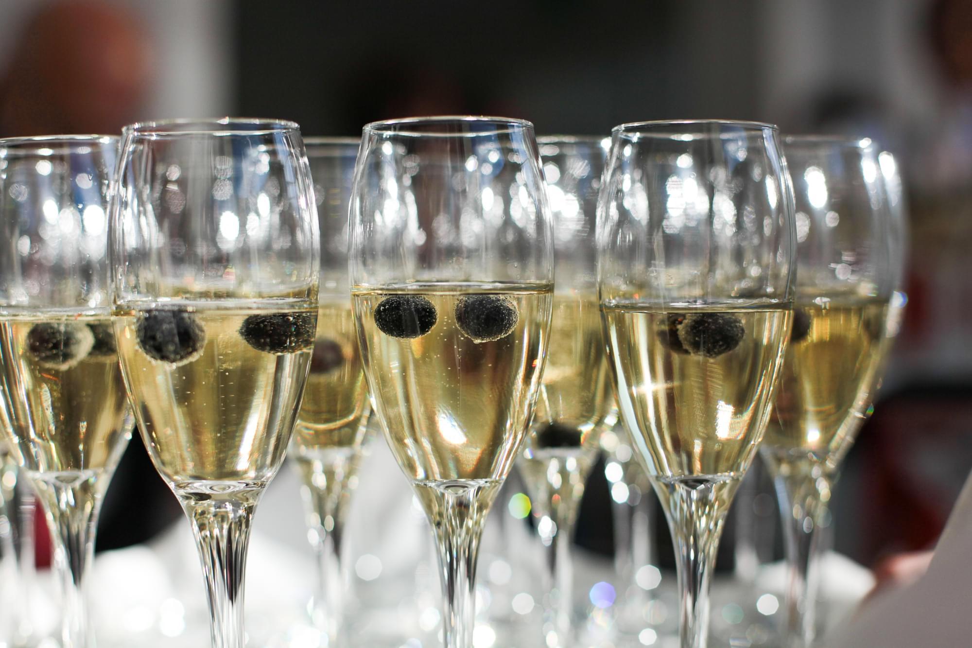 szampan z owocami