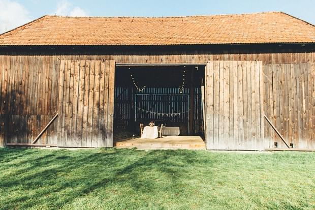 wesele w stodole zdjęcie