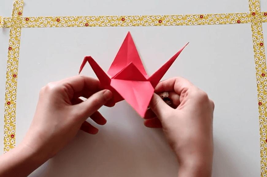 żuraw-z-papieru-zdjecie