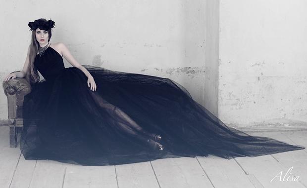 """4b883665b6 Mam przyjemność pokazać Wam najnowszą kolekcję marki Alisa z linii """"Dark  Angel"""". Są to suknie ślubne dla odważnych Panien Młodych"""