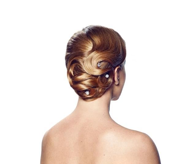 fryzury ślubne 2015 modne upięcia długie i średnie włosy (12)