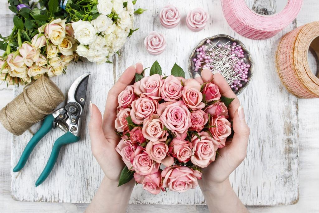 idealny-bukiet-ślubny-z-róż-zdjęcie
