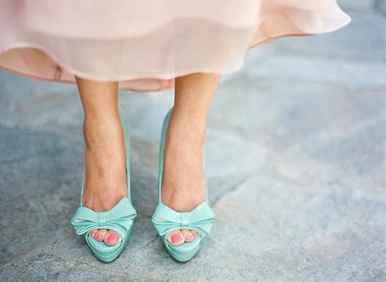 kolorowe miętowe buty do ślubu