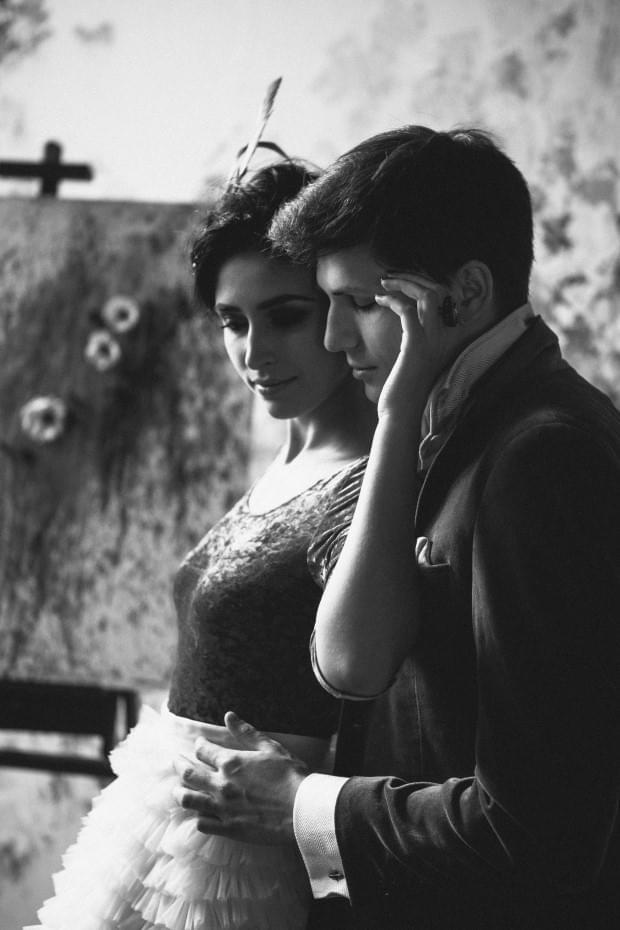 nietypowa suknia ślubna sesja (14)