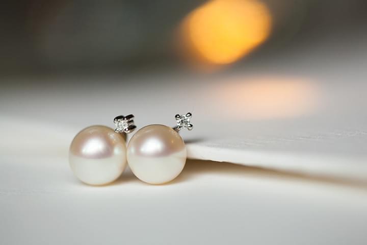perłowe kolczyki przesądy ślubne