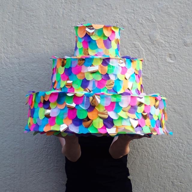 piniata w kształcie tortu wesele