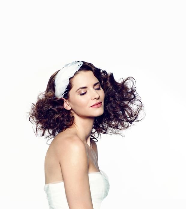 romantyczna fryzura ślubna 2015 długie włosy (2)