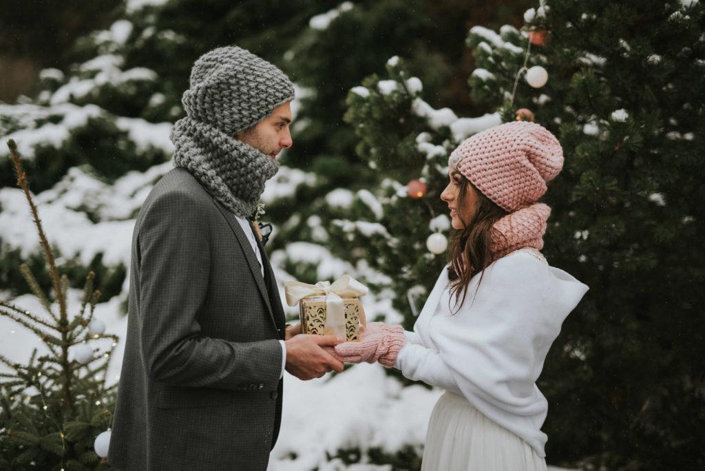 ubranie slub zima panna mloda zdjecie