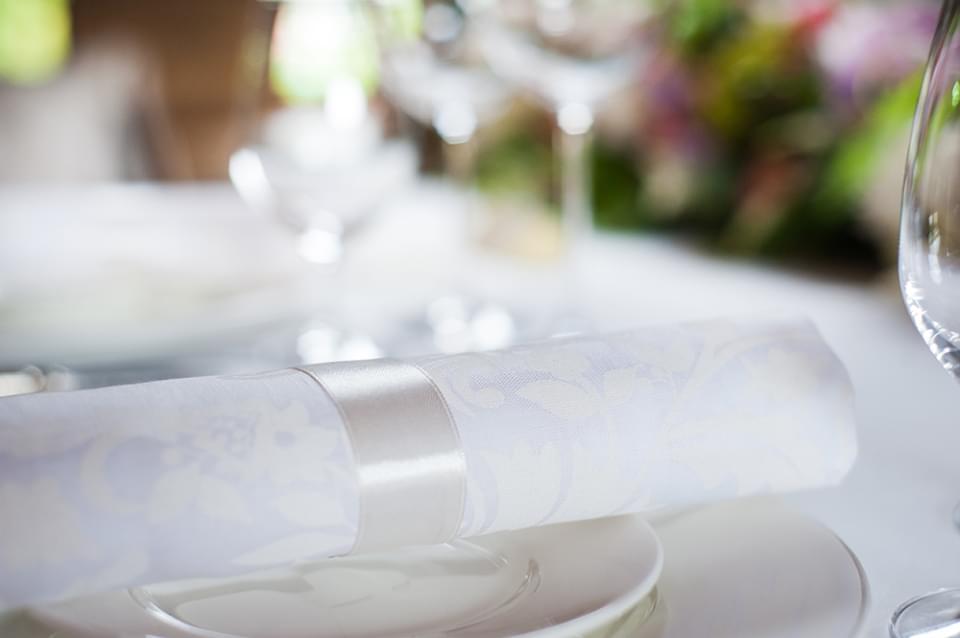 stylizowana sesja ślubna pałac ciekocinko (30)