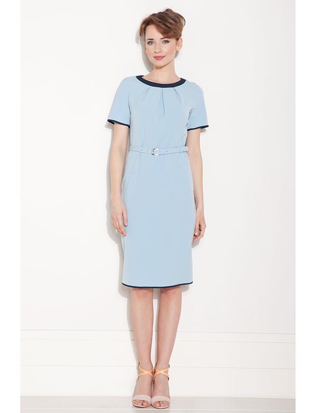 sukienka błękitna skromna wesele