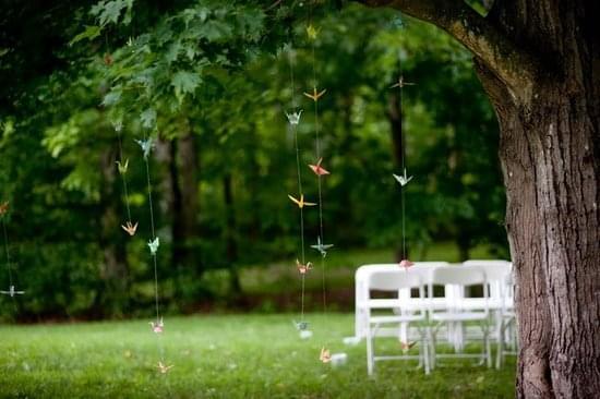 dekoracje ptaki origami ślub w plenerze