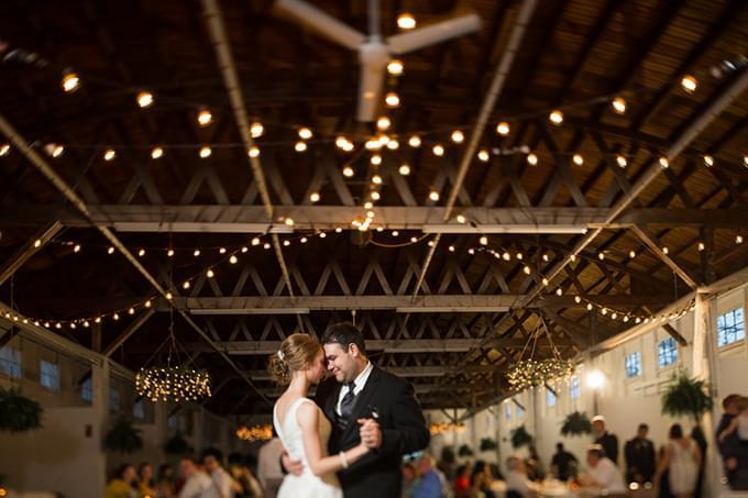 wesele w stodole pomysły na dekoracje